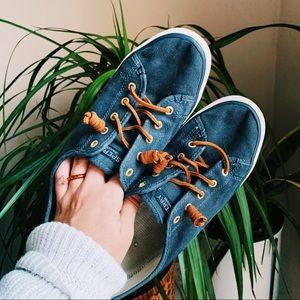 Sperry top sider slip on navy sneakers